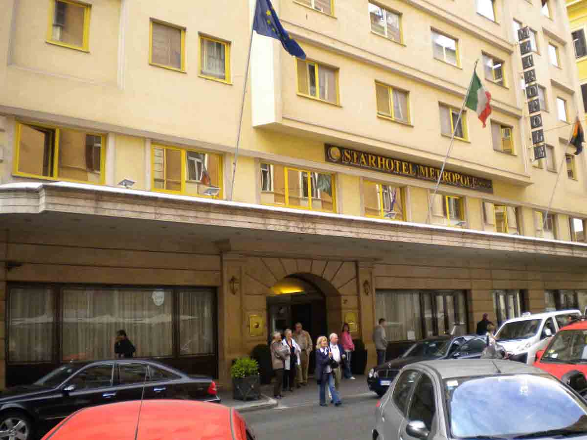 Hoteles en roma reserve hoteles en roma british for Hoteles familiares en roma